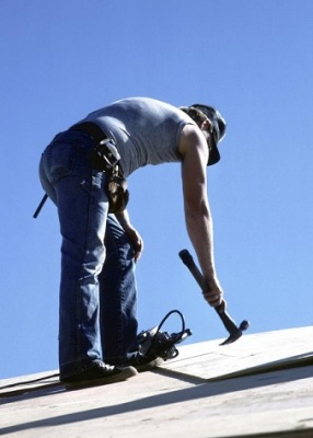 Roofing worker improves endurance and vitality with elk velvet antler and ginseng